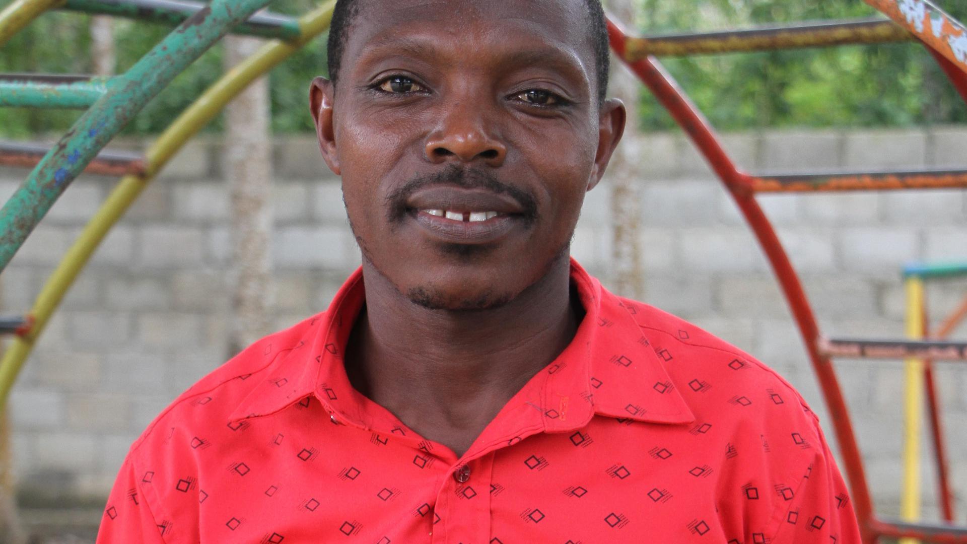Laneau Alerte wollte bereits als Kind Lehrer werden, da es ihn fasziniert, sein Wissen weiterzugeben.