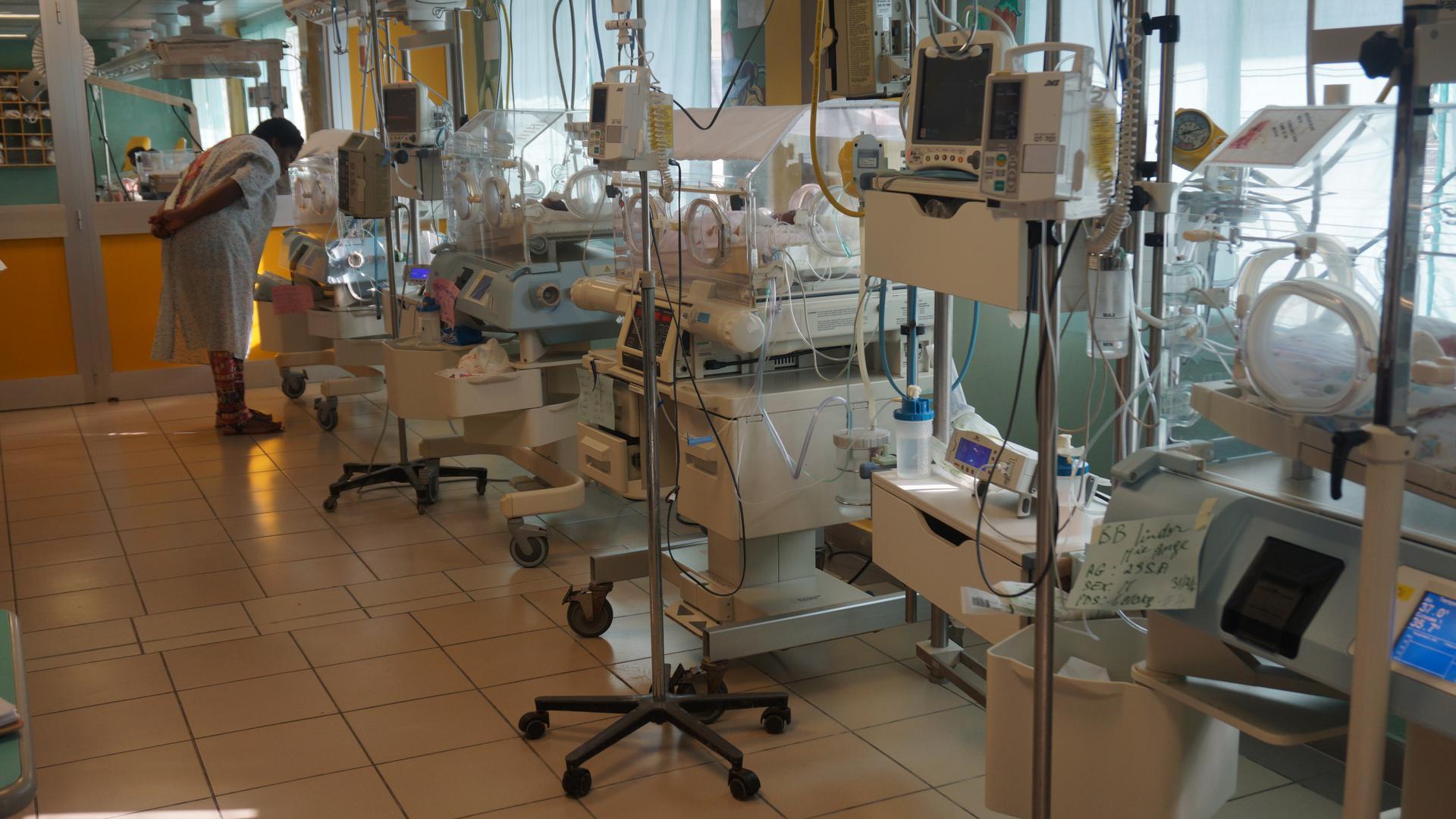 Im St. Damien Kinderkrankenhaus wurde eine Geburtshilfe- und Neugeborenenstation eingerichtet.