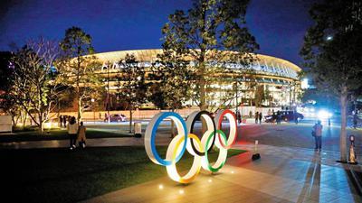 Lichtspiele für das Ringe-Festival am und rund um das Tokioter Olympiastadion. Darin werden im Sommer das Fußballturnier und die Leichtathletikwettkämpfe sowie die Eröffnungs- und Schlussfeier der Olympischen Spiele stattfinden. Auch viele Vertreter aus Badens Spitzensportszene hoffen dann, vor Ort dabei zu sein.