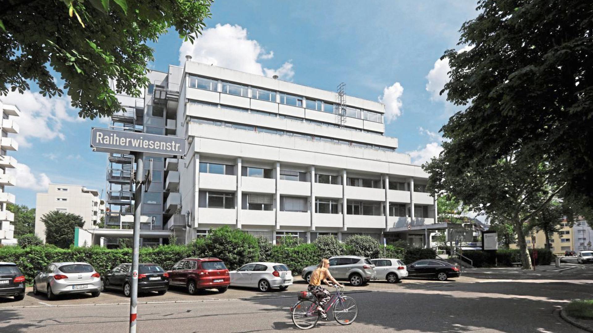 80 Betten für Corona-Patienten könnten in der ehemaligen Karlsruher Paracelsus-Klinik untergebracht werden.