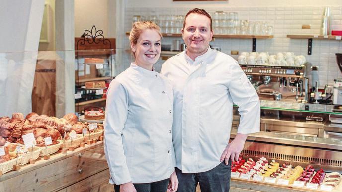 Miriam Kungl und Sven Ludwig in ihrer Konditorei in der Karlsruher Waldstraße.