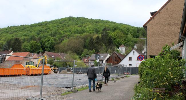 Baugelände an Wohnbebauung