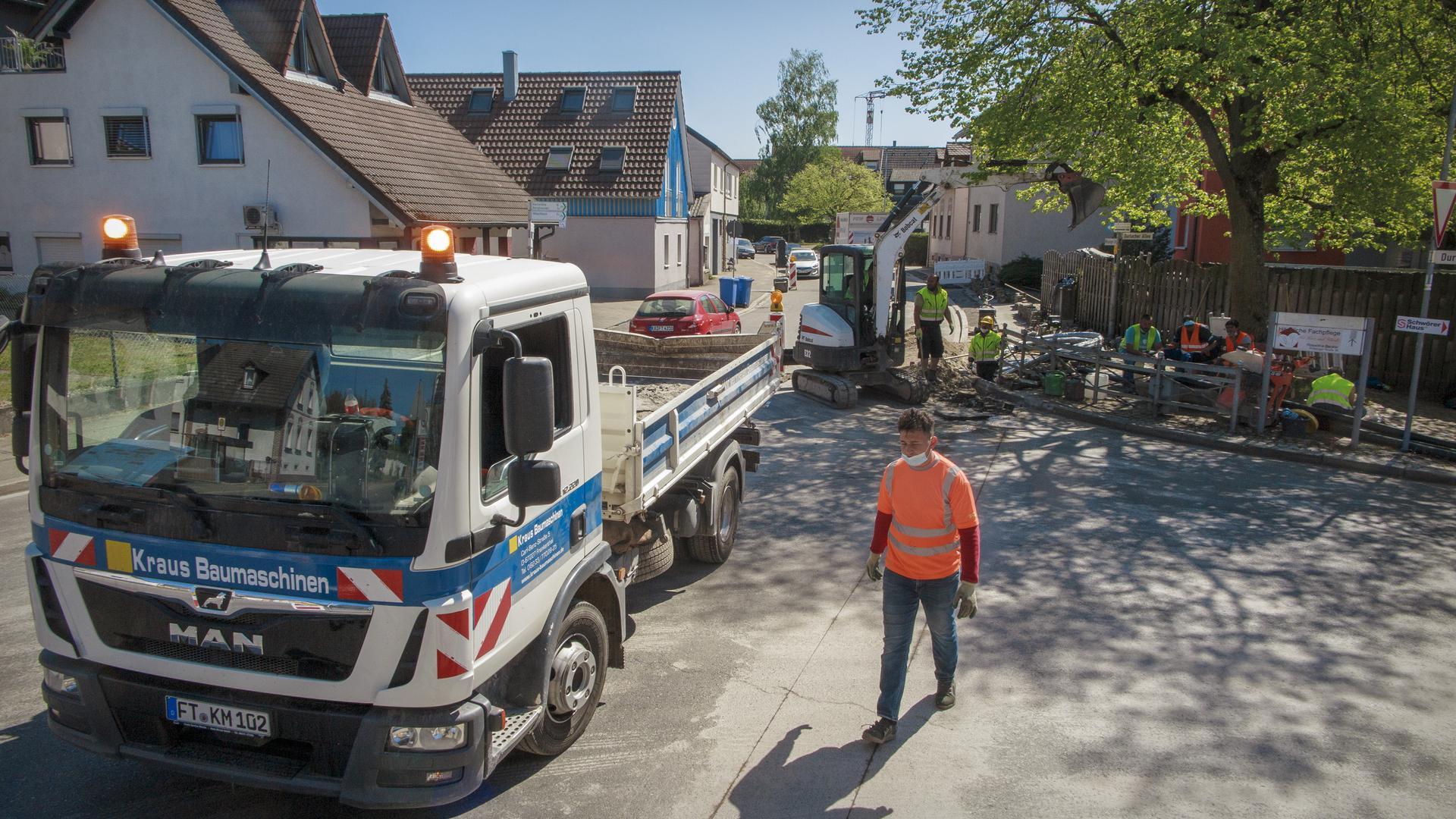 Vodafone verlegt Glasfaser in der Wössinger Straße