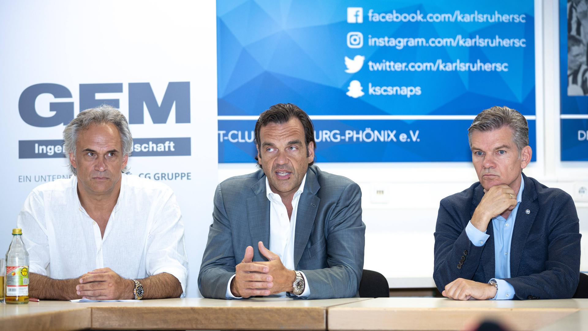 Martin Müller (links) und Ingo Wellenreuther (rechts) bei einer gemeinsamen Pressekonferenz im Juli.
