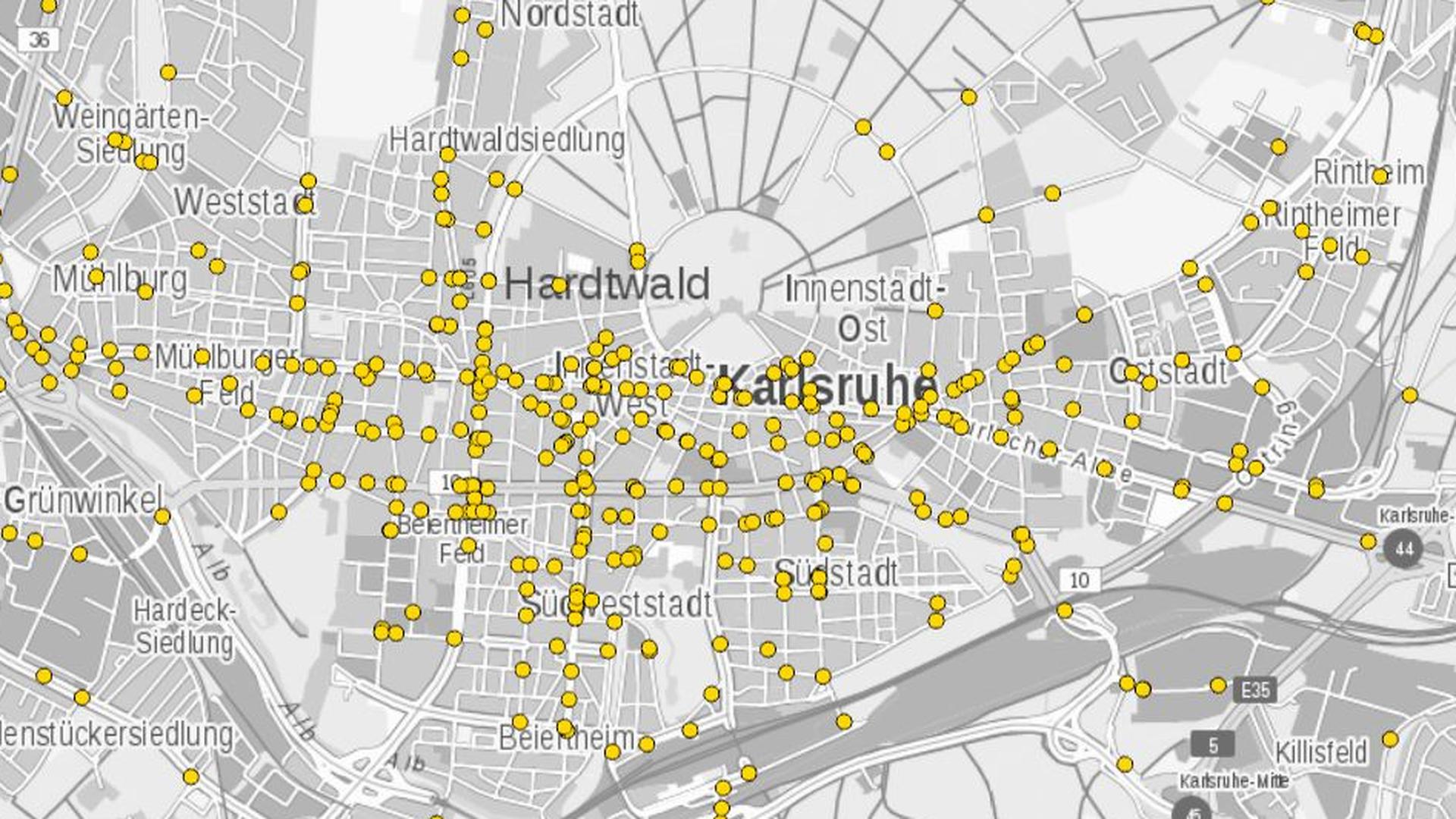 Jeder gelbe Punkt gibt einen Fahrradunfall aus dem Jahr 2018 in Karlsruhe an.