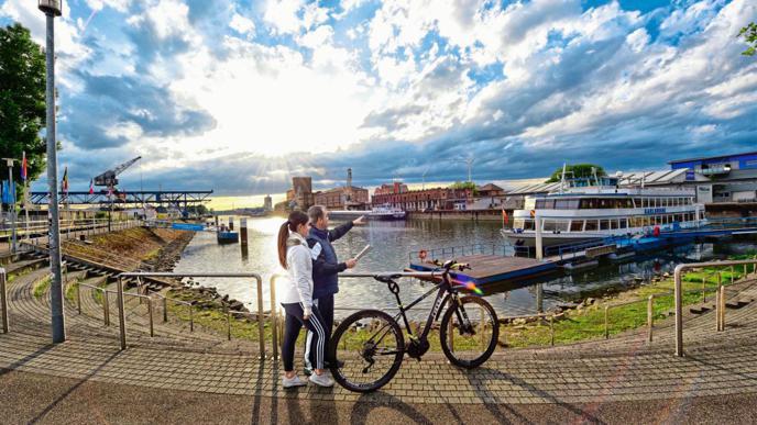 Auch am Tag lassen sich tolle Bilder an den Hafenbecken im Rheinhafen machen.