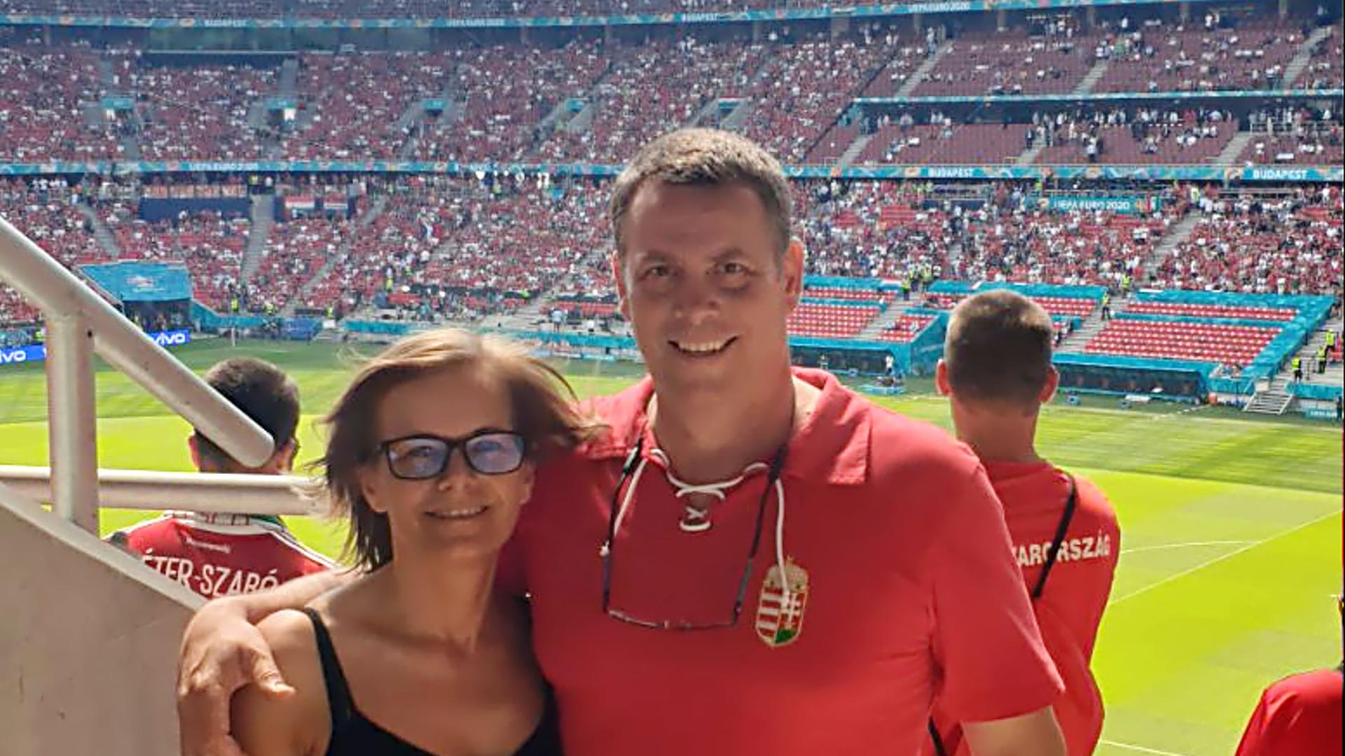 Paar im Stadion