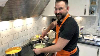 Mann Küche Kochen