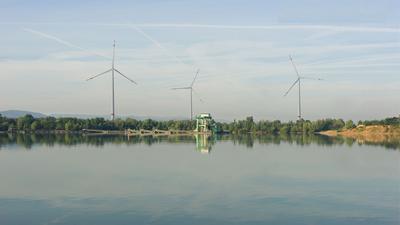 Projektion in 3D: So könnten die drei Windräder am Standort Stiftäcker vom Epplesee aus betrachtet aussehen.