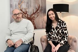 Nina Hirschler aus Rheinstetten und der blinde Christian Blank aus Karlsruhe singen auf YouTube als Duett und landen damit einen Hit