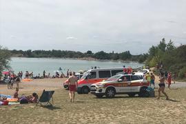Bei fast 30 Grad waren am Sonntag viele Badegäste am Epplesee, als sich dort ein Badeunfall ereignete.