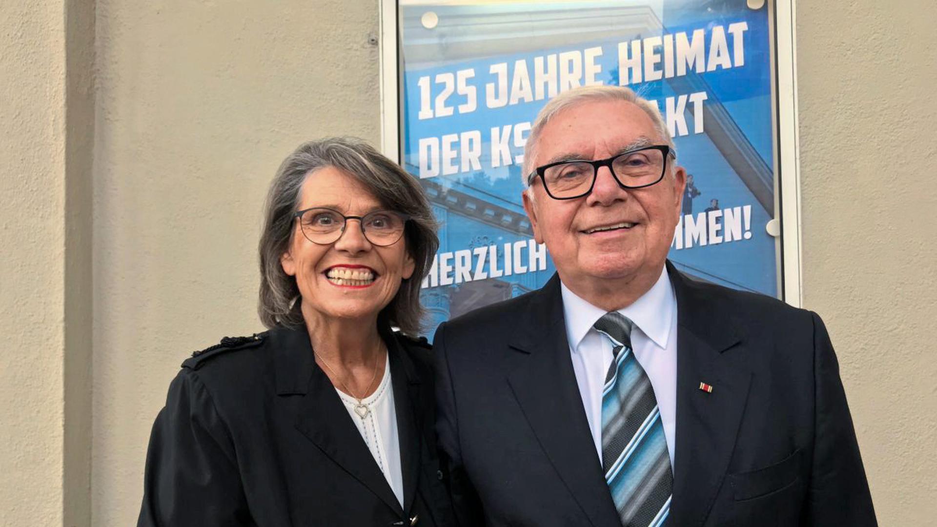 Roland Schmider, ehemaliger KSC-Präsident mit Ehefrau.