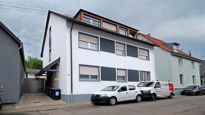 Stein des Anstoßes: In diesem Wohnhaus in Knielingen ist ein Prostitutionsbetrieb offiziell genehmigt worden – obwohl das anscheinend niemand will.