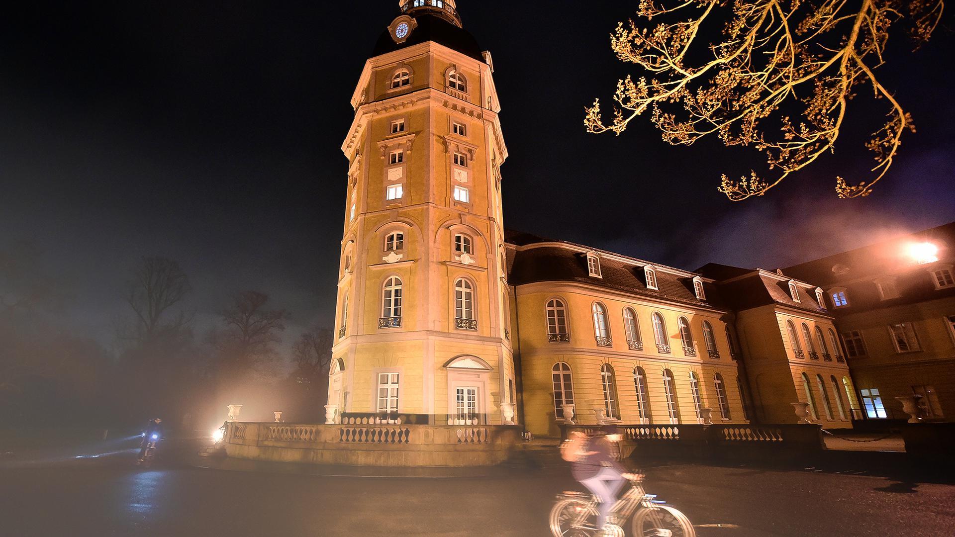Ob bei Tag oder Nacht - Fotos rund um das Karlsruher Schloss sind immer schön.