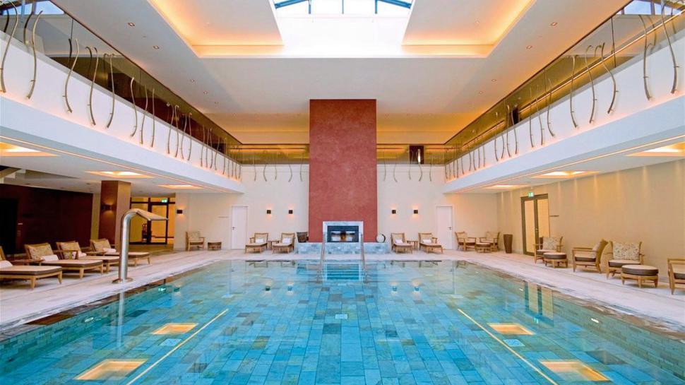Abtauchen und entspannen kann der Gewinner oder die Gewinnerin in der 4 000 Quadratmeter großen Wellnesswelt des Schlosshotels Friedrichsruhe.