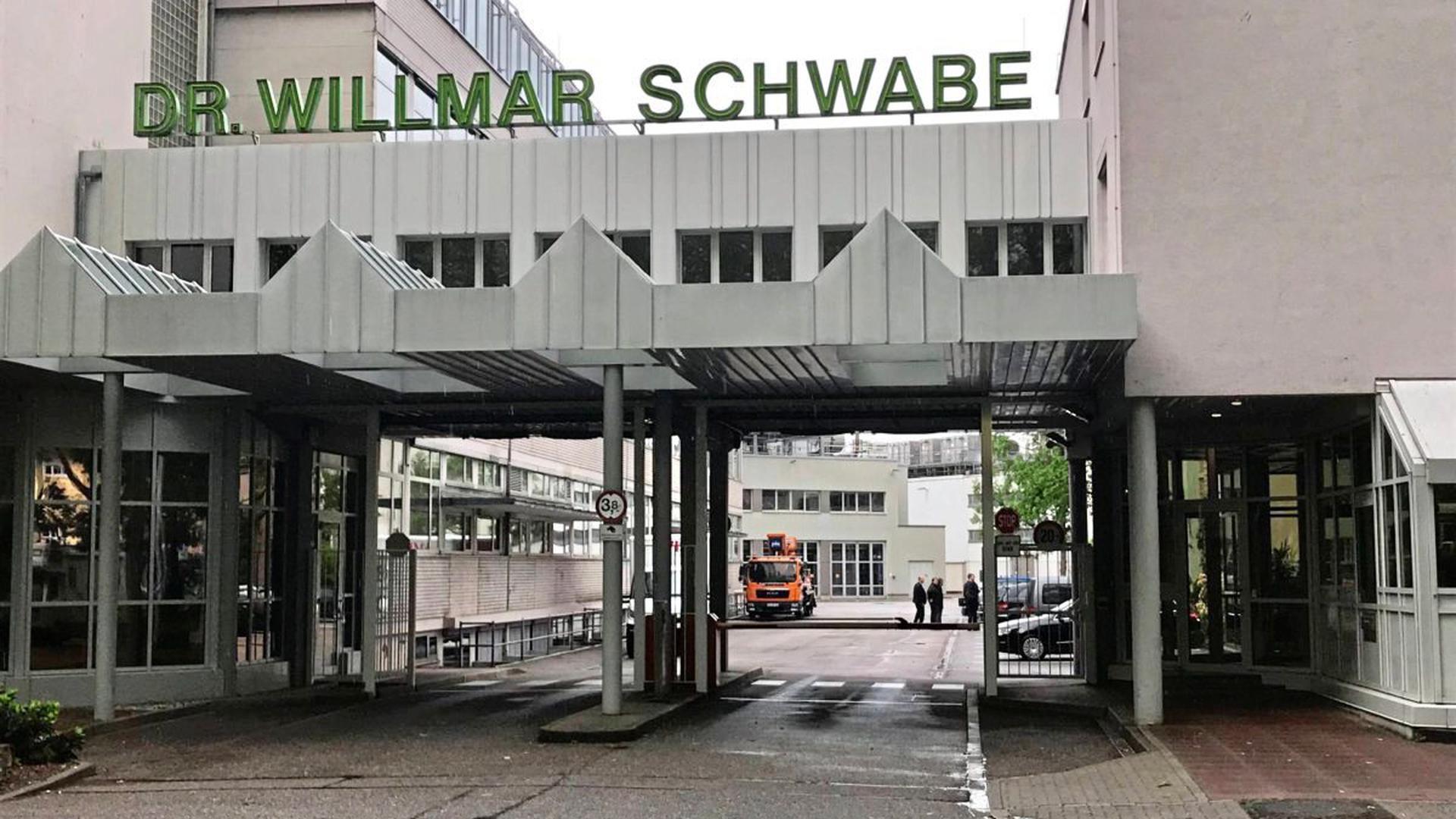 Der Pharmakonzern Schwabe aus Karlsruhe-Durlach führt gesetzlich vorgeschriebene Tierversuche durch – will aber nicht preisgeben, wie oft und mit wie vielen Tieren.