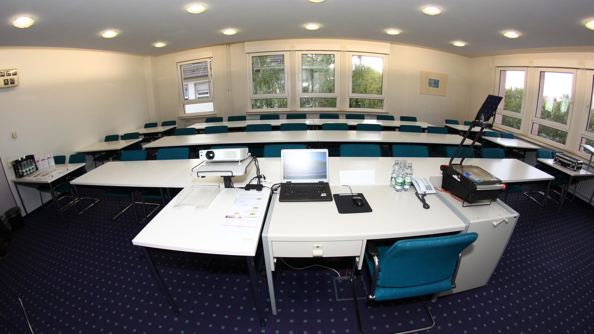 In den modern eingerichteten Seminarräumen der VWA ist alles vorhanden, was für die weiterbildenden Kurse notwendig ist.