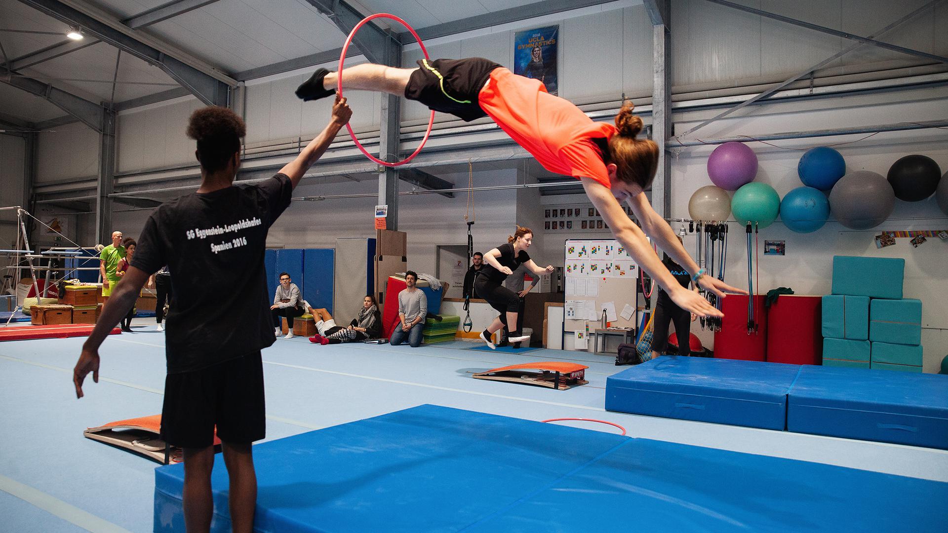Die Ausbildung der angehenden Sport- und Gymnastiklehrer ist enorm abwechslungsreich.