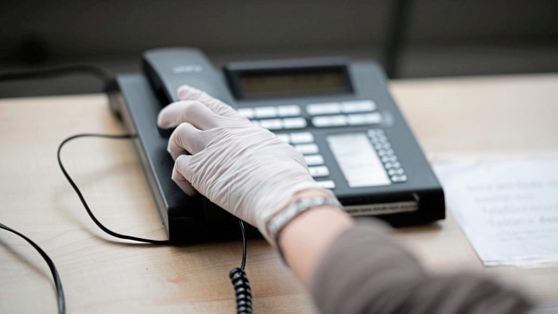Das Coronavirus hat dazu geführt, dass Beratungsstellen ihre Hilfe fast nur noch telefonisch anbieten können.
