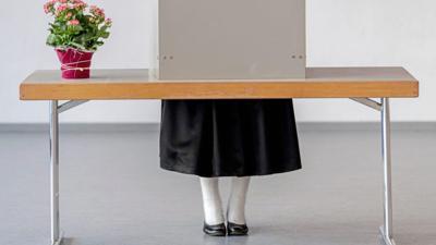 Im Schwarzwälder Gutach wurde bei der Europawahl mitunter in der traditionellen Tracht gewählt – so auch von Laura Horn. Doch was trug sie auf dem Kopf?
