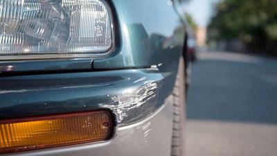 Beim überwiegenden Teil der Unfallfluchten im Stadtgebiet geht es um kleinere Schäden, die beim Ein- oder Ausparken entstehen. In knapp 40 Prozent der Fälle ermittelt die Polizei die mutmaßlichen Täter.