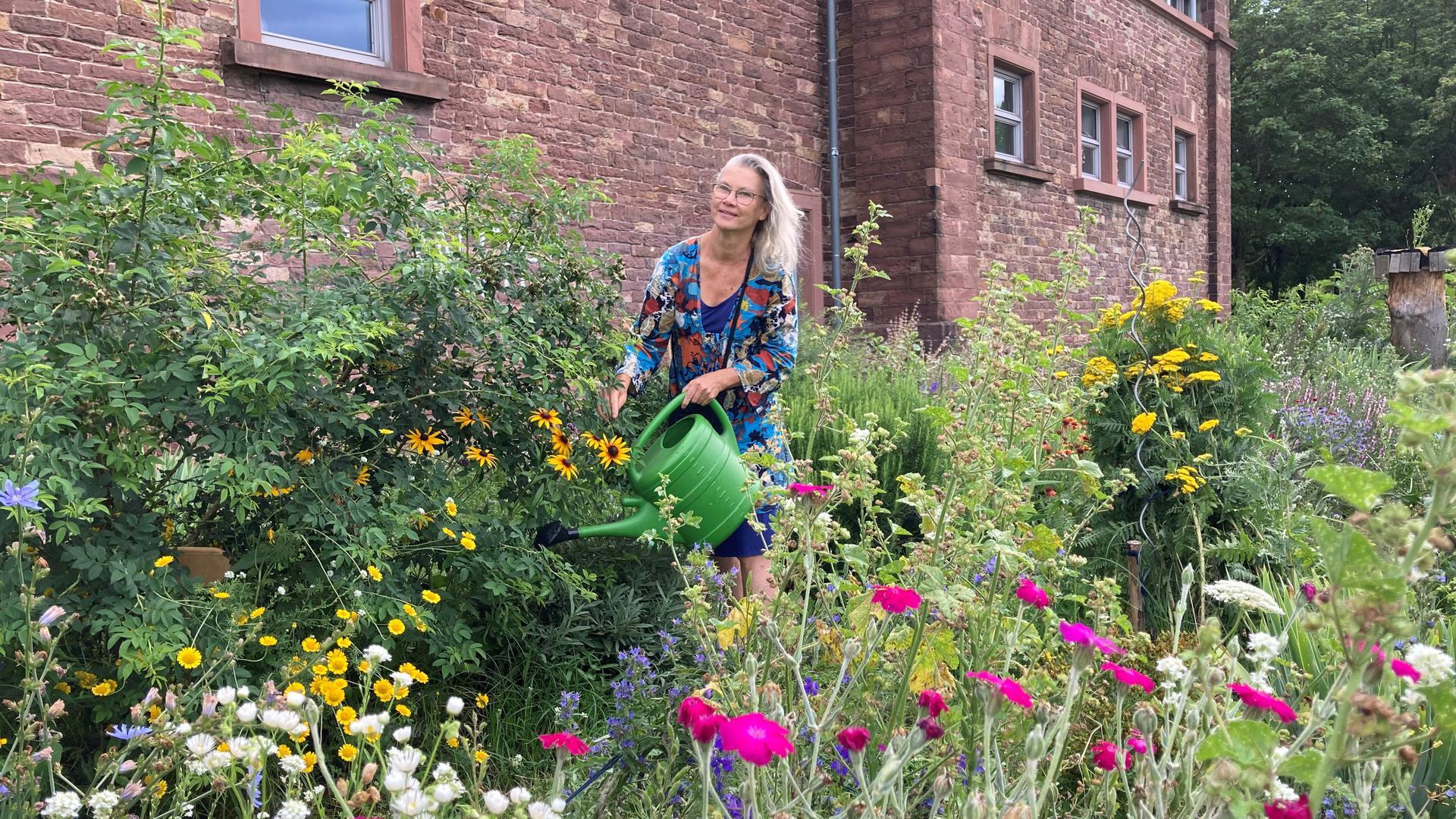 Urband Gardening in der Oststadt: Carola Dätz hilf mit