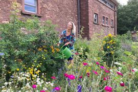 Urban Gardening in der Oststadt: Carola Dätz hilf mit