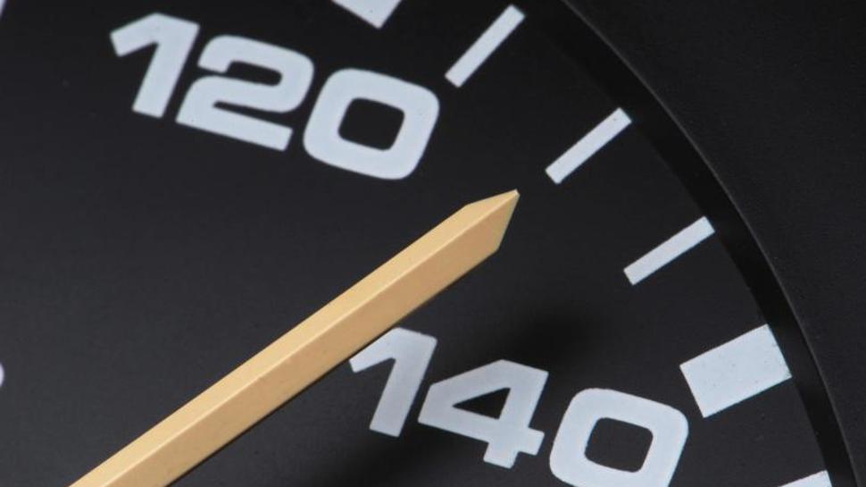 Tachometer auf 130
