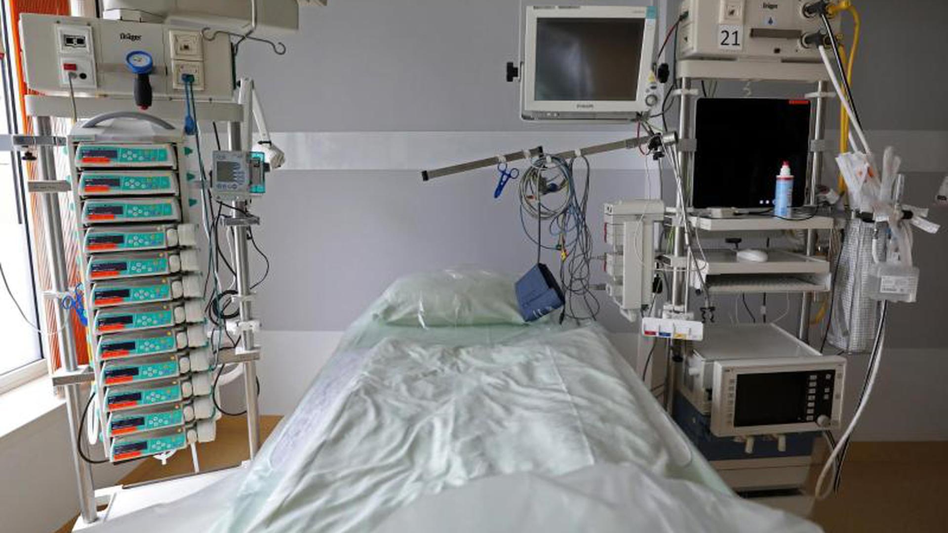 Intensivbett im Rostocker Universitätsklinikum