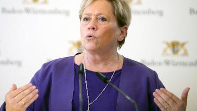 Kultusministerin Susanne Eisenmann (CDU) gibt ein Statement