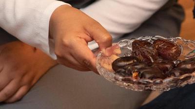 Datteln werden beim Fastenbrechen im Fastenmonat Ramadan gereicht.
