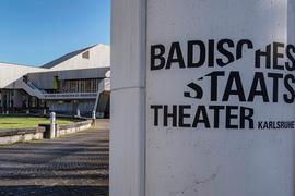 Aussenaufnahme Badisches Staatstheater Karlsruhe.