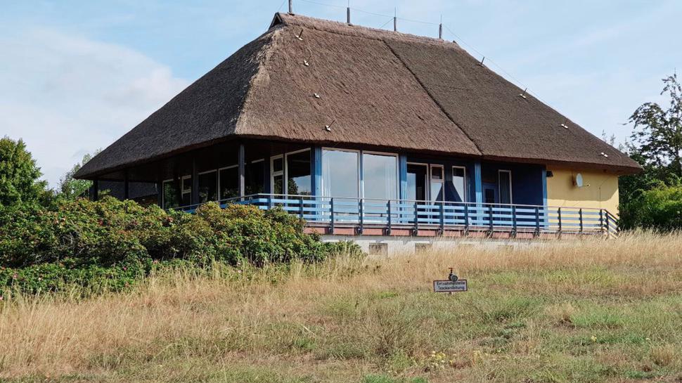 das Gemeinschaftshaus auf der Insel Vilm vor Rügen