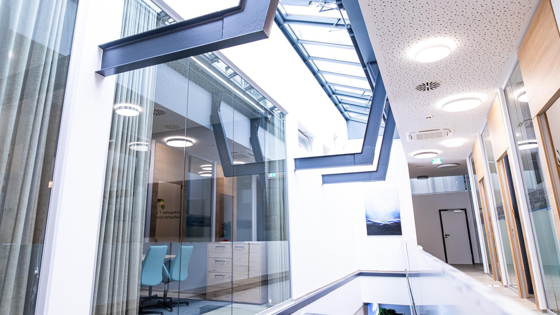 Offene Gestaltung in der neuen Regionalfiliale der Volksbank Karlsruhe.