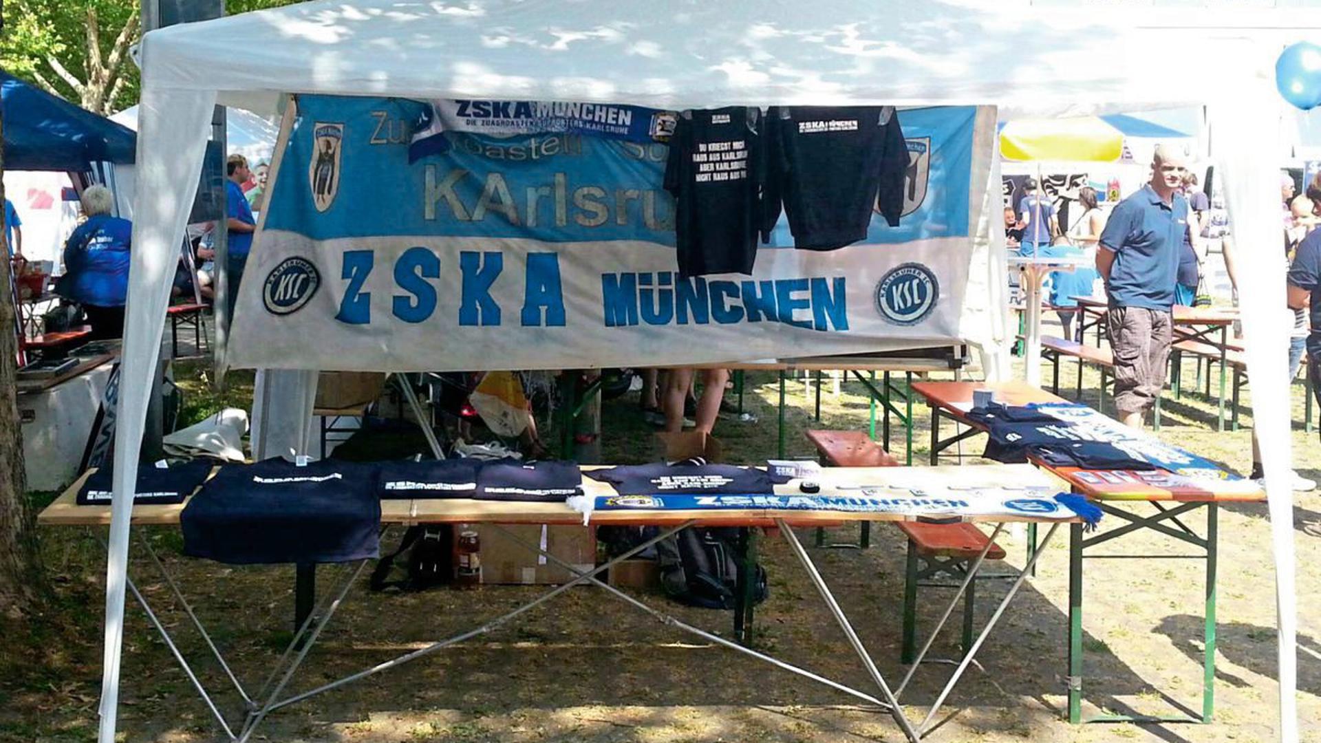 Beim KSC-Familientag hat der Fanclub jedes Jahr einen Stand - hier ein Foto aus dem Jahr 2013.