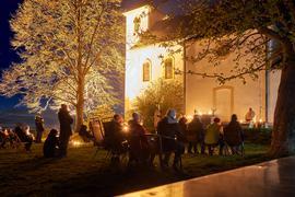 Ein Zeichen der Hoffnung: Zum Osternachtgottesdienst auf den Michaelsberg kamen zahlreiche Gläubige. Ihnen folgten tagsdrauf weitere Ausflügler.