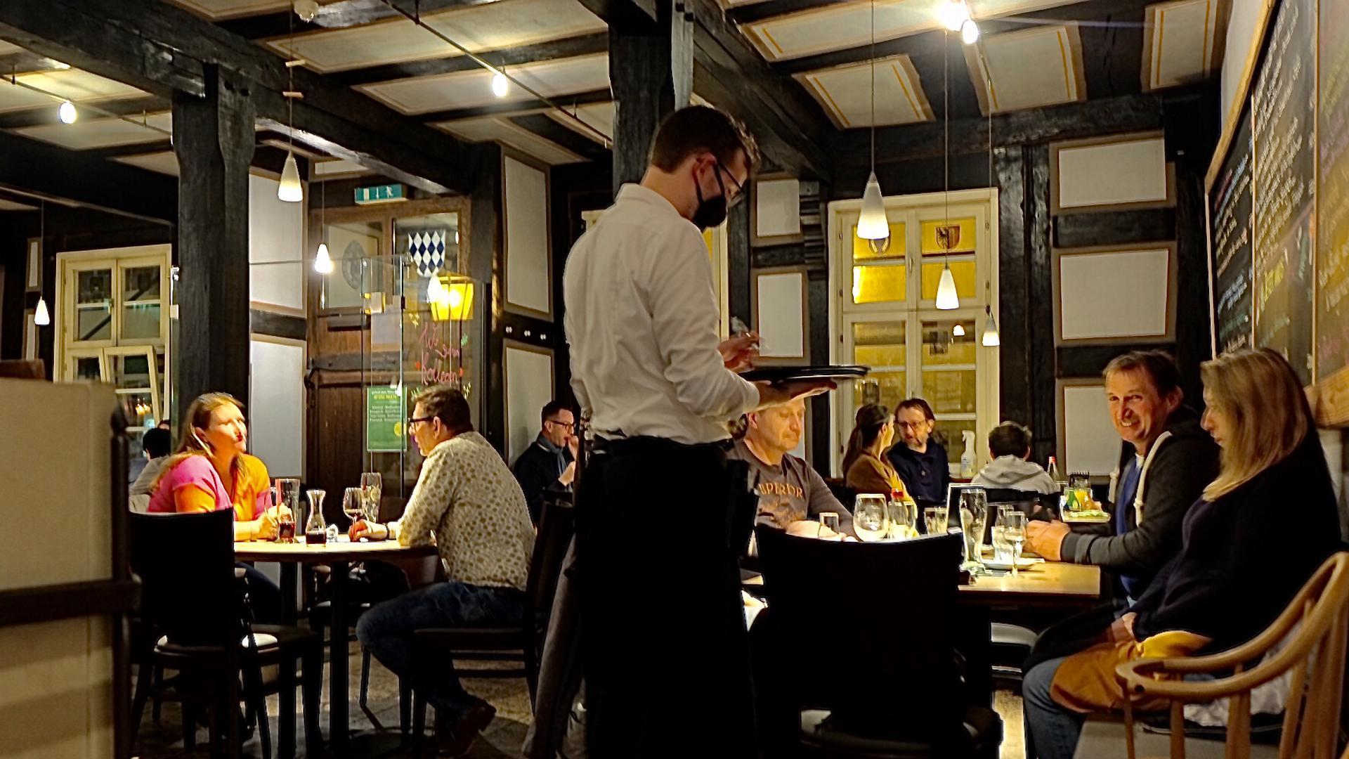 Menschen in einem Restaurant