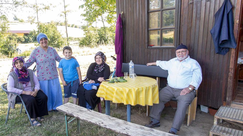 Yilmaz Saban und seine Frau Hawwa mit der Schwiegertochter Güleser und den Enkeln Ismael und Sümejje