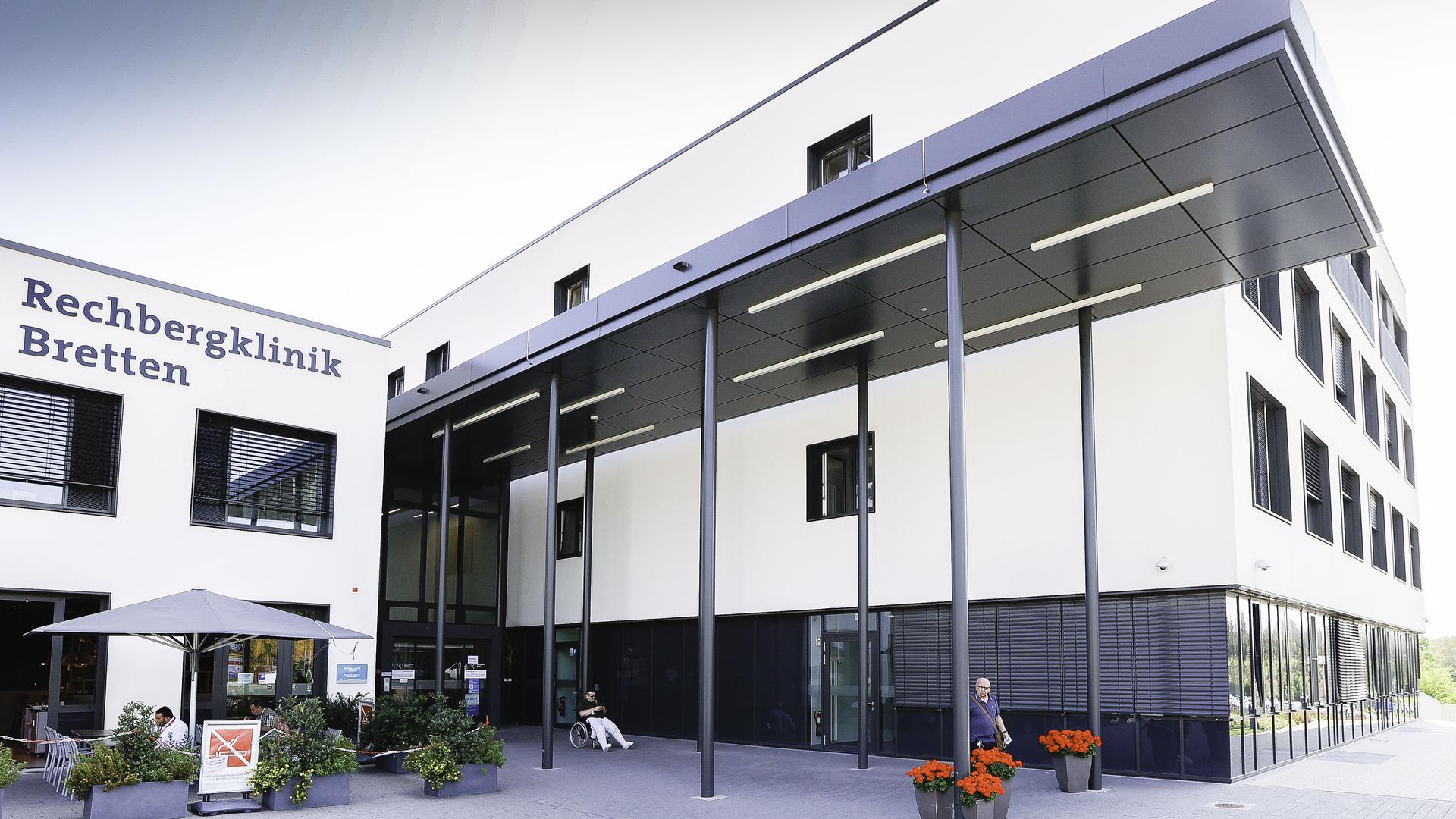 Falsche Gerüchte: In der Rechbergklinik in Bretten liegen keine doppelt geimpften Corona-Patienten. Lediglich im Ludwigsburger Krankenhaus der RKH-Kliniken wird derzeit ein sogenannter Impfdurchbrecher behandelt.