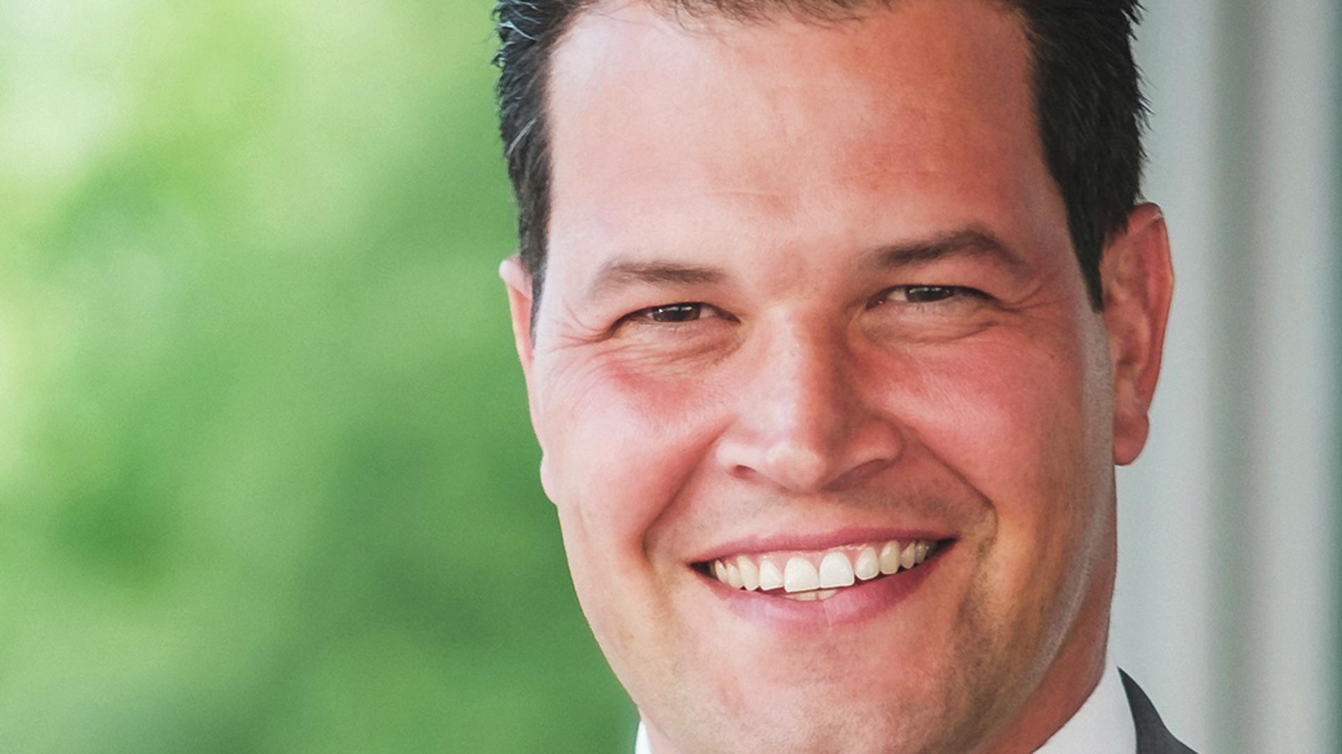 """Treut wechselt die Seiten: Aaron Treut, früherer Brettener OB-Kandidat und Ortsvorsteher von Ruit, hat die CDU-Gemeinderatsfraktion verlassen und sitzt nun für """"die aktiven"""" im Gemeinderat der Melanchthonstadt."""