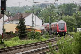 Die Deutsche Bahn plant in Diedelsheim den Bau einer Lärmschutzwand.