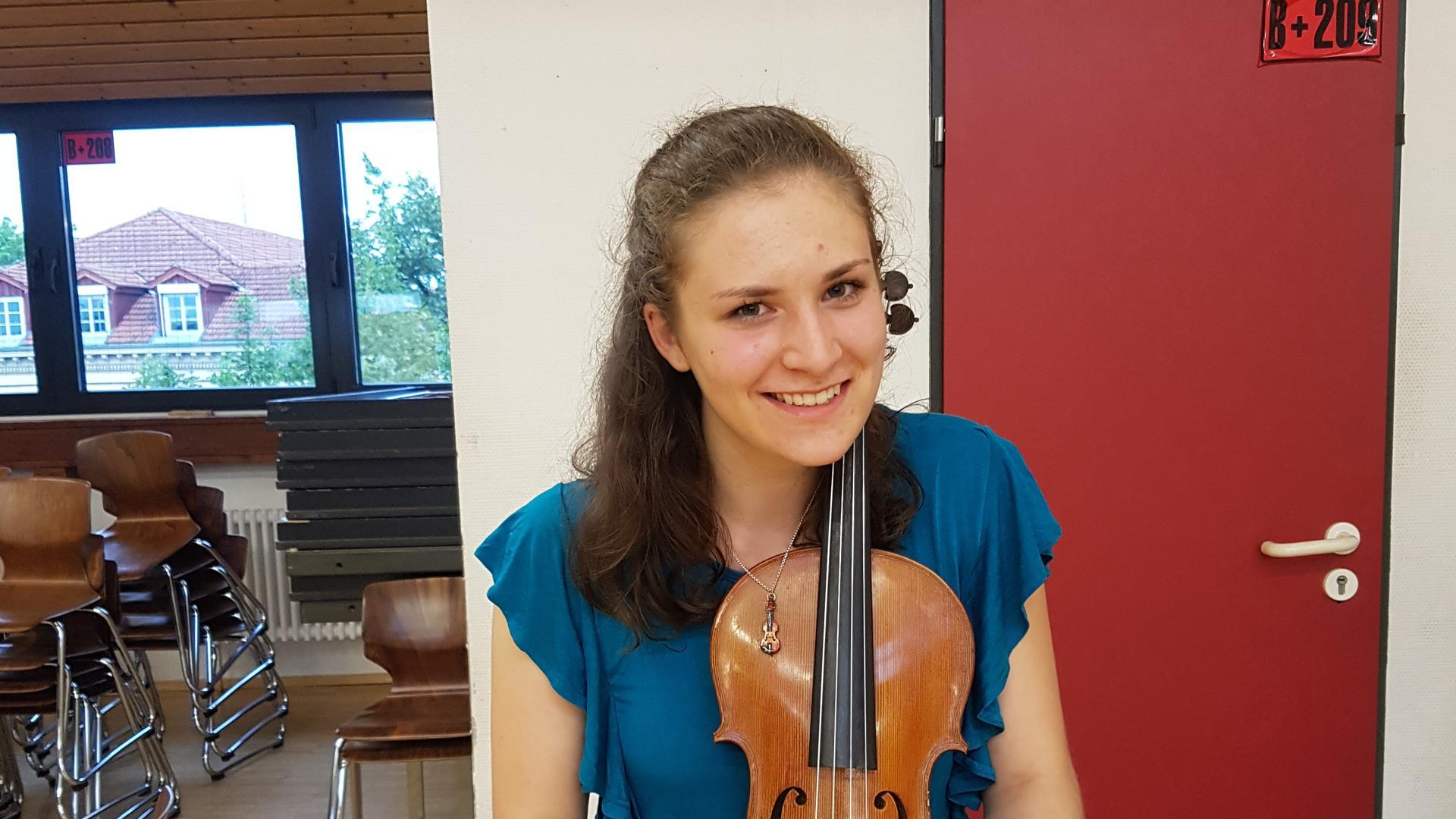 Mona Kempf - Jugendliche aus Bretten über das Jahr 2020 und die Zukunft