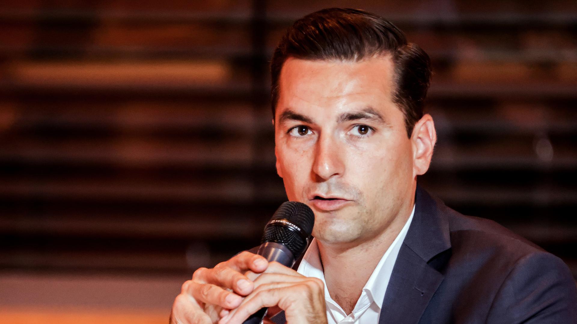 Nicolas Zippelius von der CDU bei der Diskussionsrunde in Bretten.