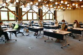 Der Jugendgemeinderat Bretten im Sitzungssaal des Rathauses.