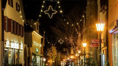 Weihnachtliche Fußgängerzone in Bretten.