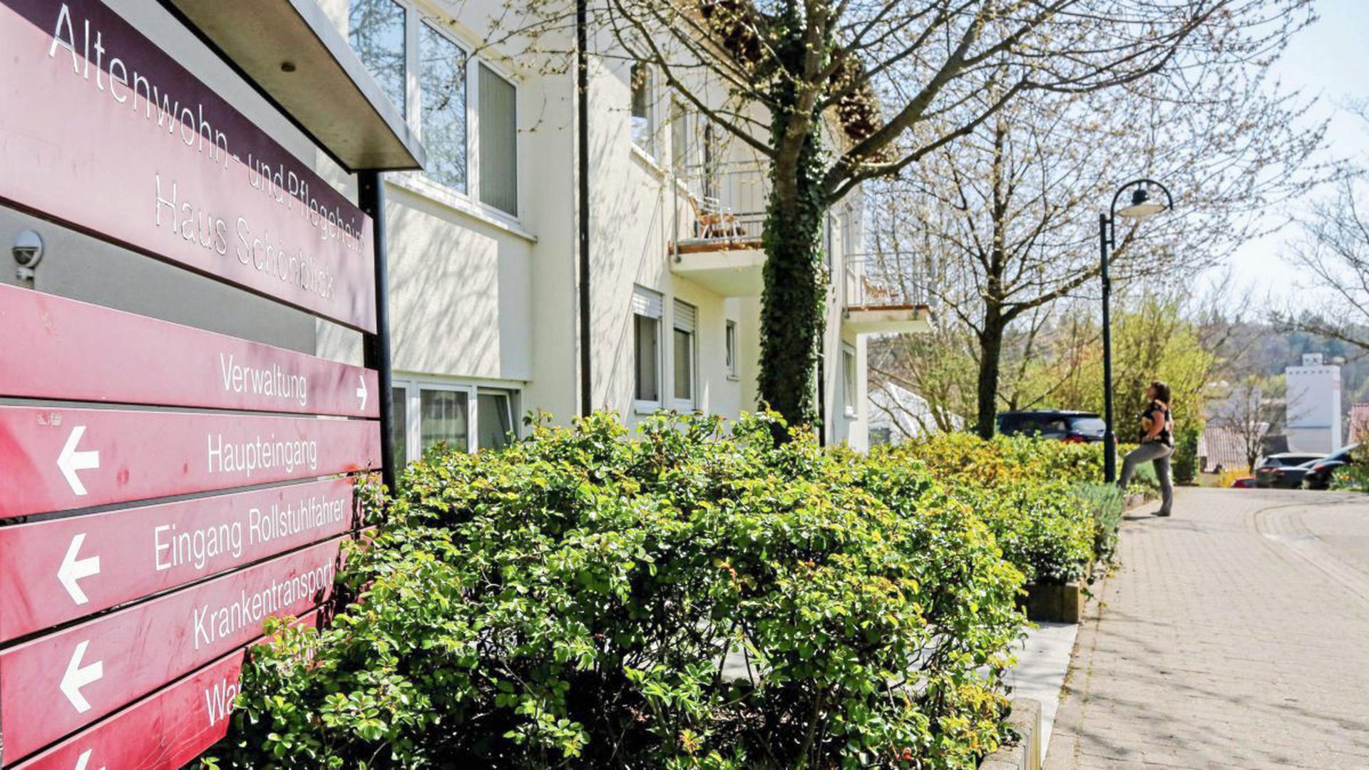 Seit drei Wochen ist das Haus Schönblick abgeriegelt. In dem Altenwohn- und Pflegeheim im Brettener Stadtteil Neibsheim hat es bereits fünf Todesfälle wegen Covid-19 gegeben.