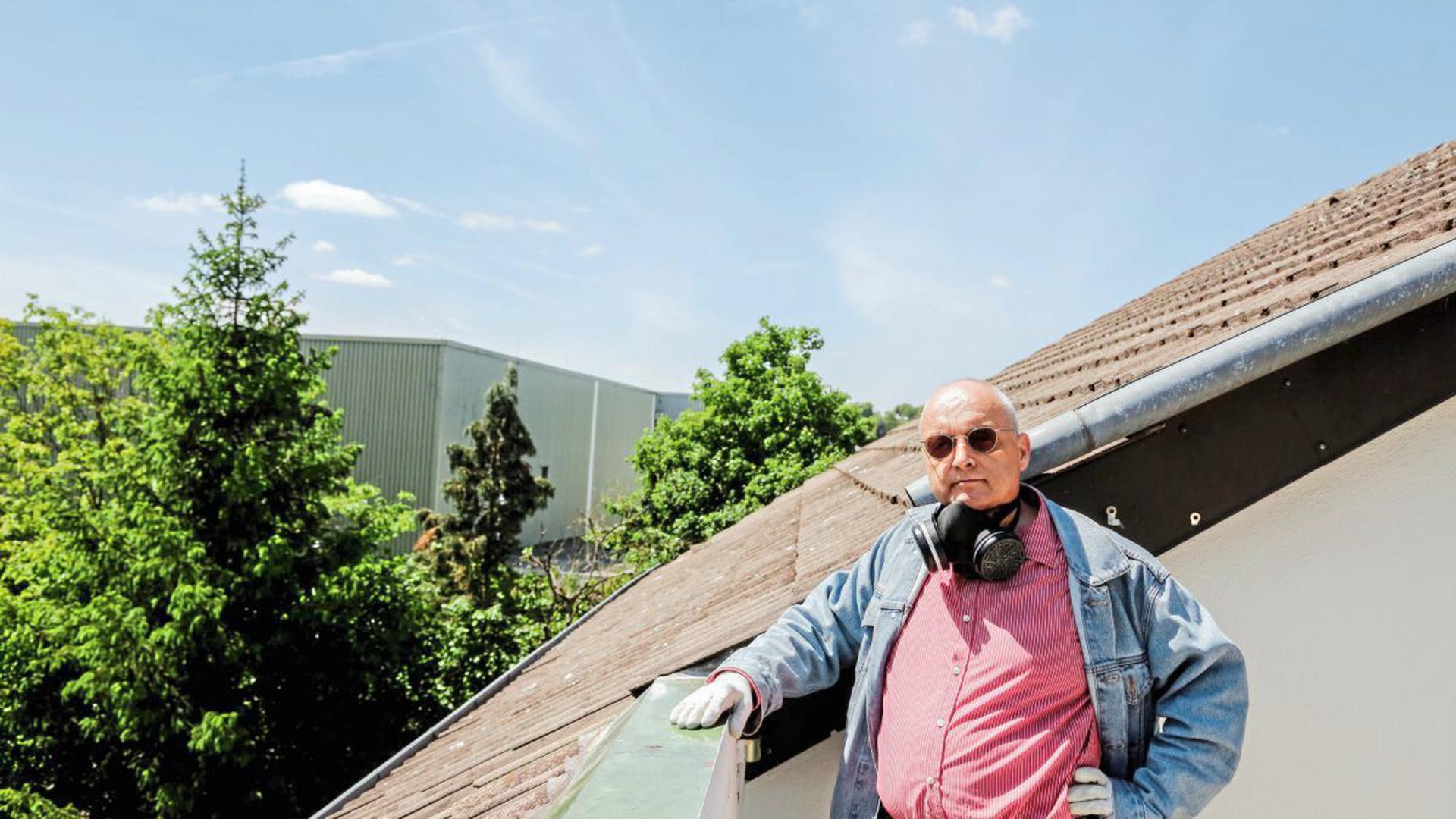 Ulrich Liehr vermietet und verwaltet ein Fünf-Parteienhaus an der Ecke Ruiter Straße und Wannenweg, nur etwa 20 Meter vom Presswerk entfernt. Er bangt um seine Mieteinnahmen.