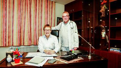 Vertrautes Team: Renate und Christoph Haag haben ihre Praxis in Flehingen nach 40 Berufsjahren in jüngere Hände gelegt.