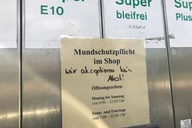 Ausgeschlossen: Eine Tankstelle in Oberderdingen lässt auch Kunden mit Attest nicht in ihren Laden. Und darf das laut Sozialministerium auch.