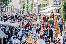 Das viertägige Peter-und-Paul-Fest lockt jährlich rund 120.000 Menschen aus Nah und Fern in die Melanchthonstadt.